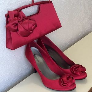Shoes - Red heels two piece
